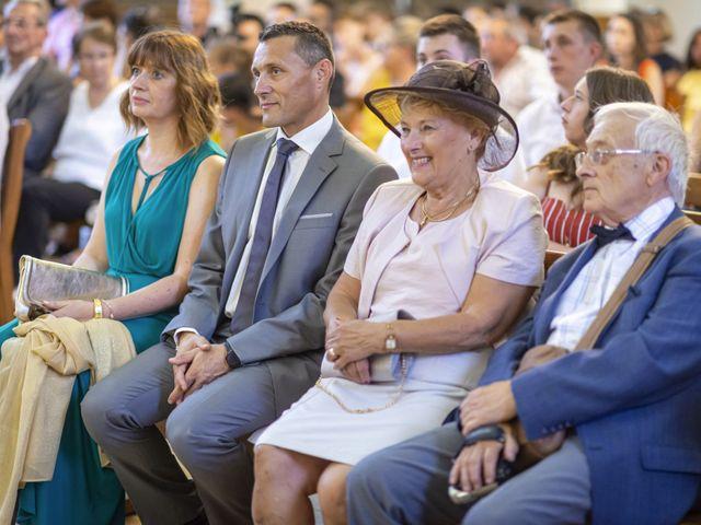 Le mariage de Florian et Eva à Saint-Étienne-des-Oullières, Rhône 19