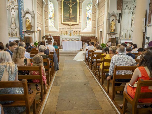 Le mariage de Florian et Eva à Saint-Étienne-des-Oullières, Rhône 23