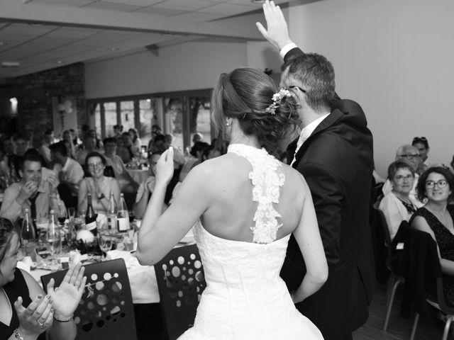 Le mariage de Emmanuelle et Marie-Laure à Vitré, Ille et Vilaine 42
