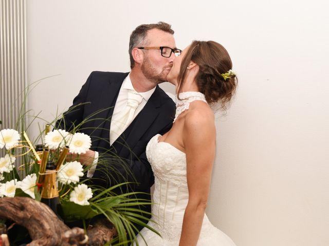 Le mariage de Emmanuelle et Marie-Laure à Vitré, Ille et Vilaine 45