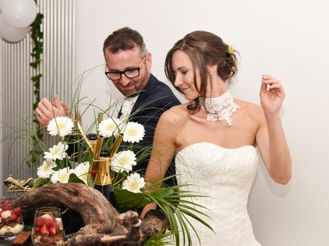Le mariage de Emmanuelle et Marie-Laure à Vitré, Ille et Vilaine 46