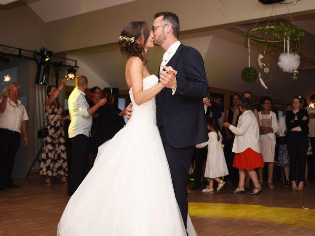 Le mariage de Emmanuelle et Marie-Laure à Vitré, Ille et Vilaine 49
