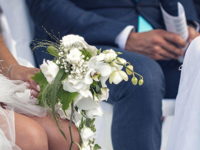 Le mariage de Caro et Manu à Marsillargues, Hérault 16