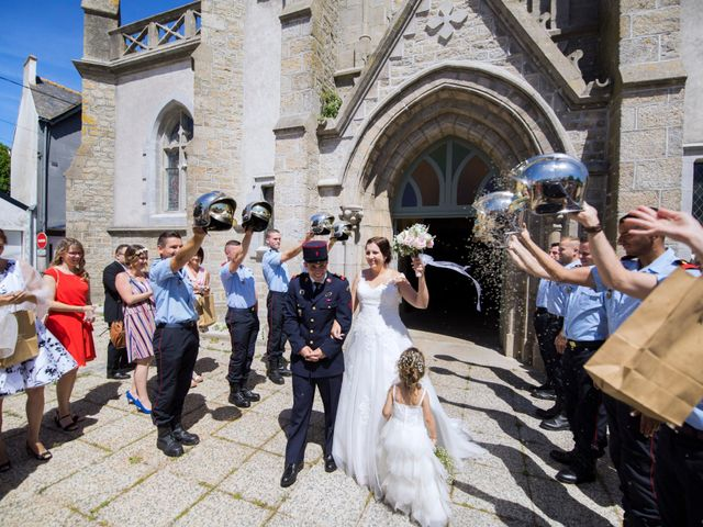 Le mariage de Aurélien et Amandine à Riantec, Morbihan 13