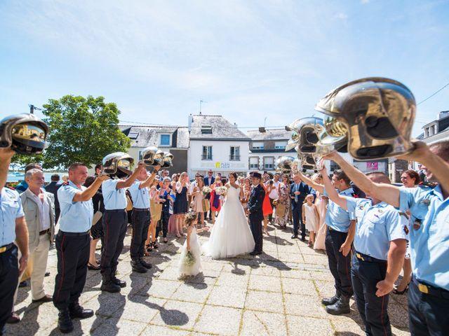 Le mariage de Aurélien et Amandine à Riantec, Morbihan 14