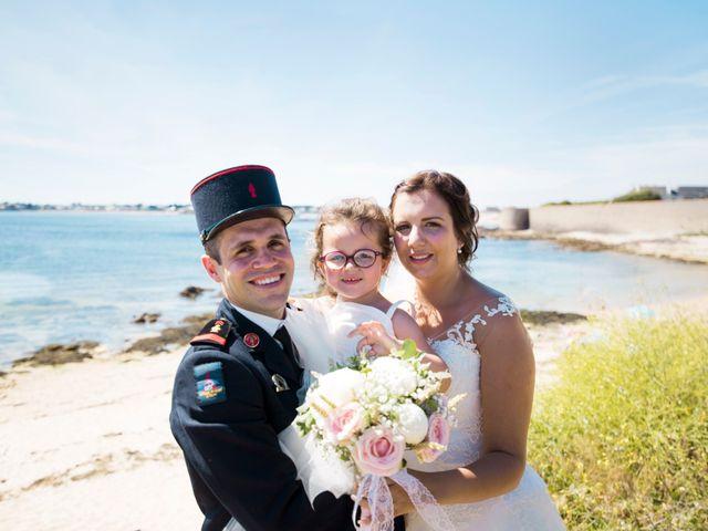 Le mariage de Aurélien et Amandine à Riantec, Morbihan 15