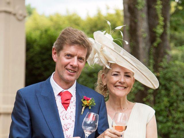 Le mariage de Sean et Zara à Saint-Pargoire, Hérault 22