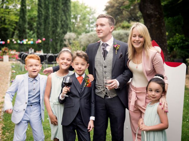 Le mariage de Sean et Zara à Saint-Pargoire, Hérault 23