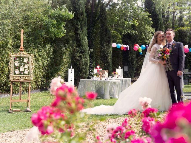 Le mariage de Sean et Zara à Saint-Pargoire, Hérault 44