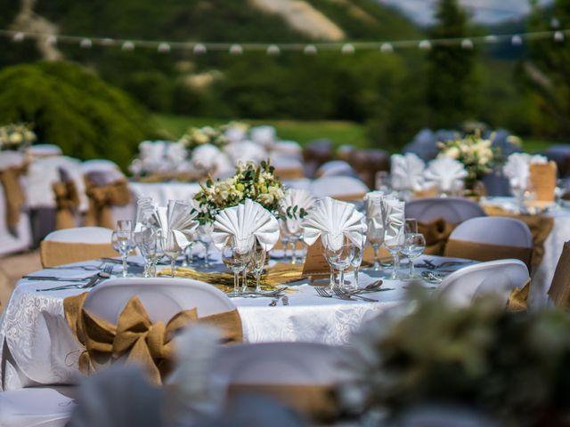 Le mariage de Kevin et Marjorie à Saint-Benoit, Alpes-de-Haute-Provence 2