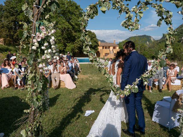 Le mariage de Kevin et Marjorie à Saint-Benoit, Alpes-de-Haute-Provence 9