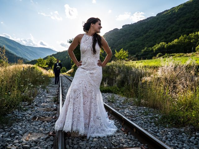 Le mariage de Kevin et Marjorie à Saint-Benoit, Alpes-de-Haute-Provence 23