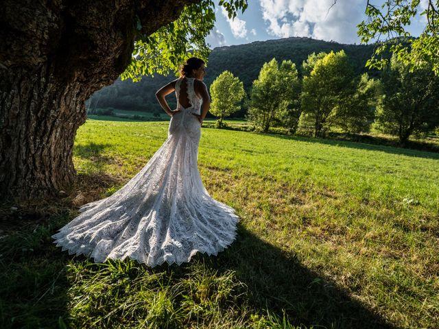 Le mariage de Kevin et Marjorie à Saint-Benoit, Alpes-de-Haute-Provence 31
