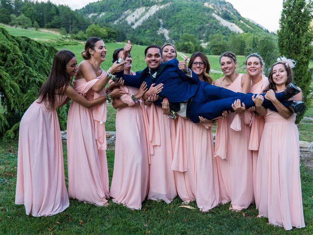 Le mariage de Kevin et Marjorie à Saint-Benoit, Alpes-de-Haute-Provence 37