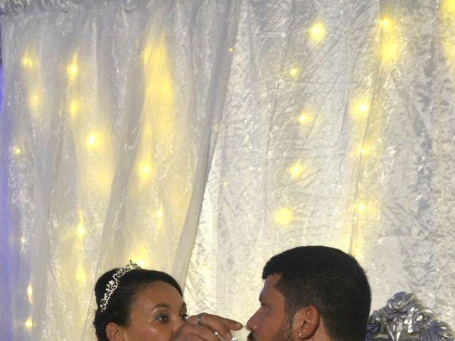 Le mariage de Alexandre  et Rizlaine à Tonnay-Charente, Charente Maritime 41