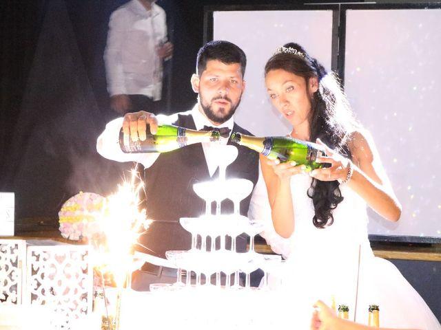 Le mariage de Alexandre  et Rizlaine à Tonnay-Charente, Charente Maritime 47