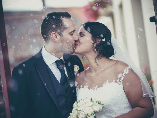 Le mariage de Lucas et Jessie à Cassel, Nord 19