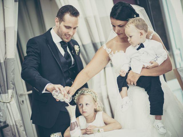 Le mariage de Lucas et Jessie à Cassel, Nord 22