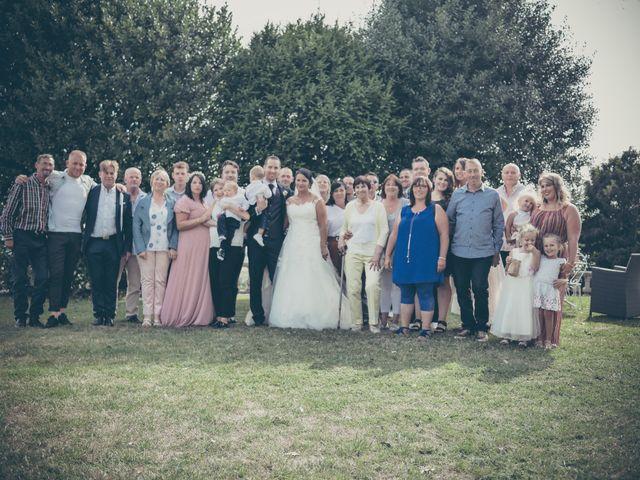 Le mariage de Lucas et Jessie à Cassel, Nord 33