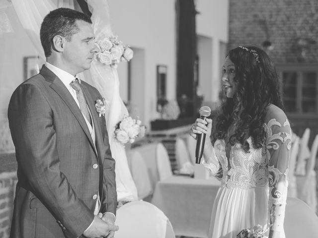 Le mariage de Benjamin et Mariaa à Salesches, Nord 7