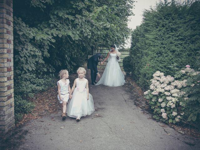 Le mariage de Lucas et Jessie à Cassel, Nord 7
