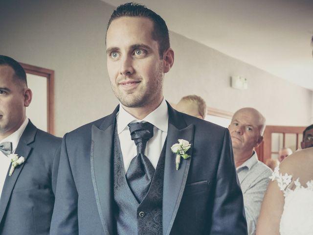 Le mariage de Lucas et Jessie à Cassel, Nord 9