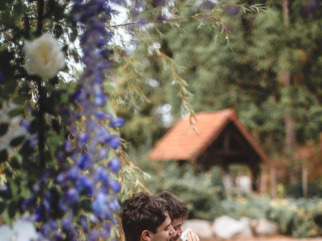 Le mariage de Alex et François à Miremont , Puy-de-Dôme 23