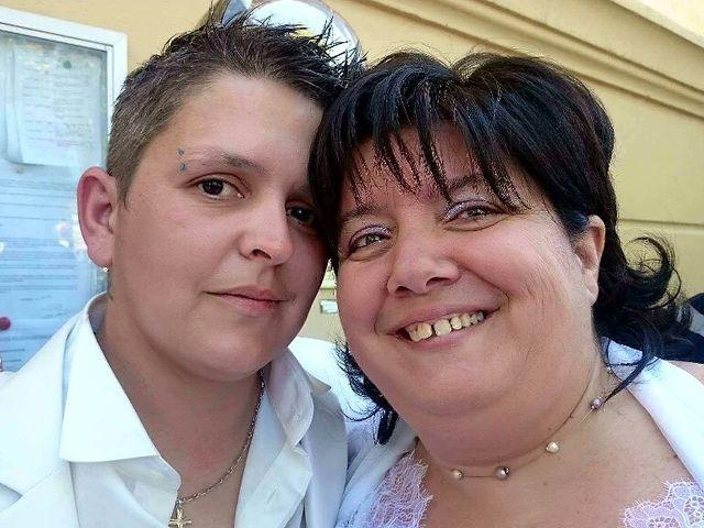 Le mariage de Laetitia  et Magali  à Lambesc, Bouches-du-Rhône 2