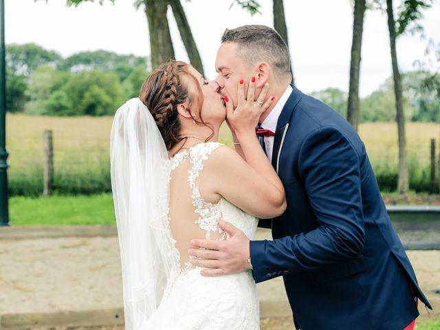 Le mariage de Cédric et Adeline à Saint-Julien-sur-Sarthe, Orne 45