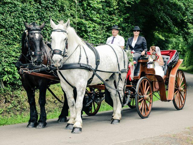 Le mariage de Cédric et Adeline à Saint-Julien-sur-Sarthe, Orne 59