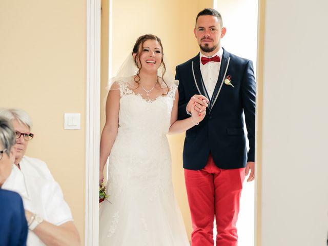 Le mariage de Cédric et Adeline à Saint-Julien-sur-Sarthe, Orne 71