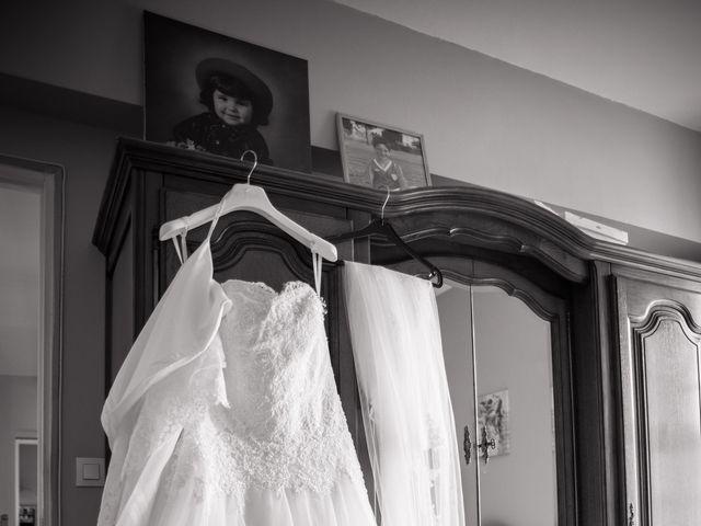 Le mariage de Antonino et Mélanie à Saint-Martin-la-Plaine, Loire 4