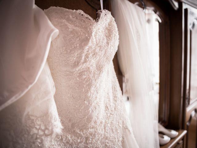 Le mariage de Antonino et Mélanie à Saint-Martin-la-Plaine, Loire 5