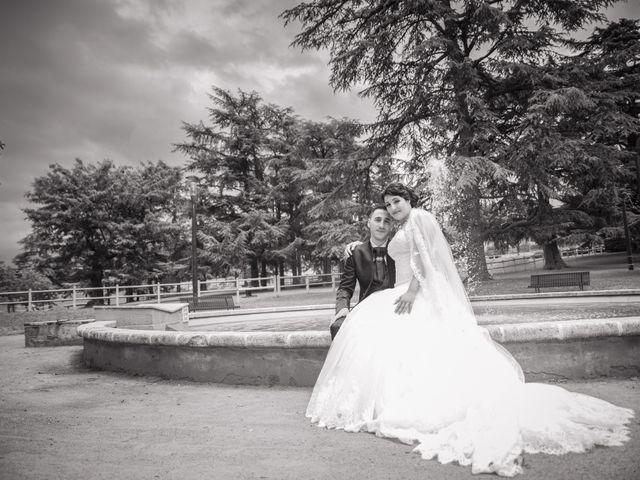 Le mariage de Antonino et Mélanie à Saint-Martin-la-Plaine, Loire 13