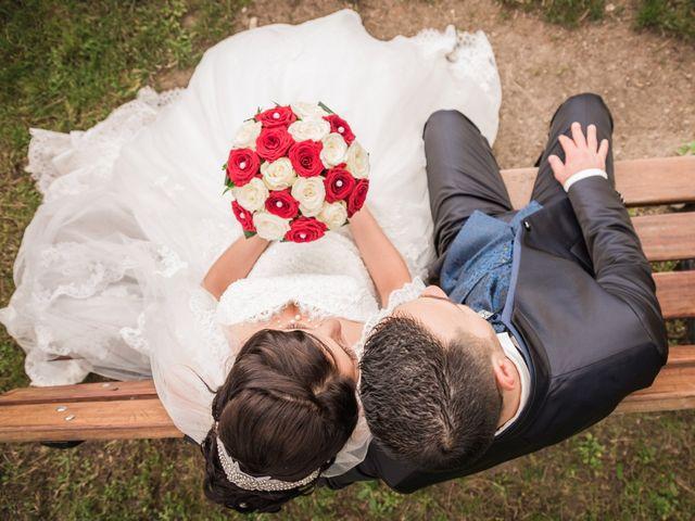 Le mariage de Antonino et Mélanie à Saint-Martin-la-Plaine, Loire 14
