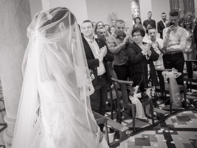 Le mariage de Antonino et Mélanie à Saint-Martin-la-Plaine, Loire 18
