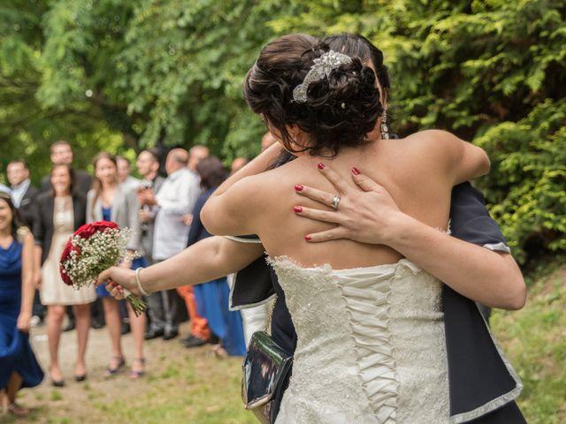 Le mariage de Antonino et Mélanie à Saint-Martin-la-Plaine, Loire 24