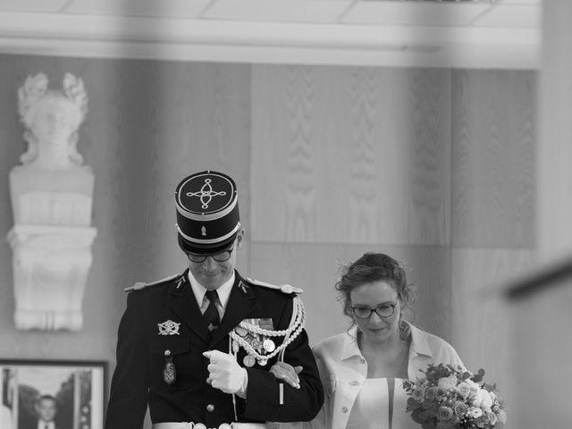 Le mariage de Nicolas et Acélie à Lussac-les-Châteaux, Vienne 3
