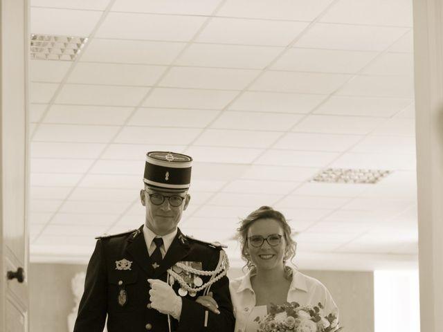 Le mariage de Nicolas et Acélie à Lussac-les-Châteaux, Vienne 4