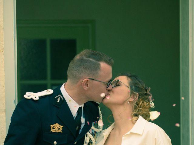Le mariage de Nicolas et Acélie à Lussac-les-Châteaux, Vienne 5