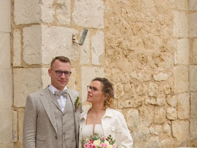 Le mariage de Nicolas et Acélie à Lussac-les-Châteaux, Vienne 6