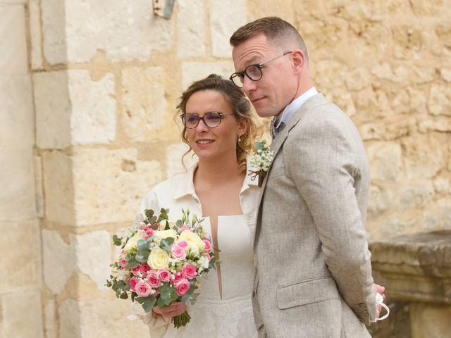 Le mariage de Nicolas et Acélie à Lussac-les-Châteaux, Vienne 8