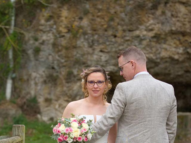 Le mariage de Nicolas et Acélie à Lussac-les-Châteaux, Vienne 14