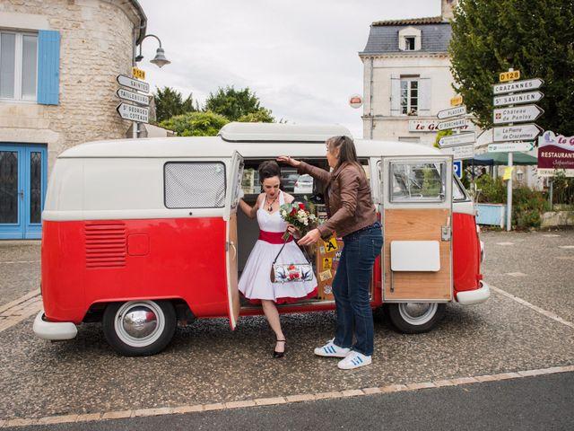 Le mariage de Mickaël et Honorine à Port-d'Envaux, Charente Maritime 5