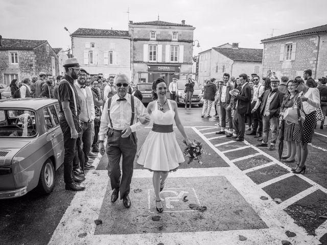 Le mariage de Mickaël et Honorine à Port-d'Envaux, Charente Maritime 6