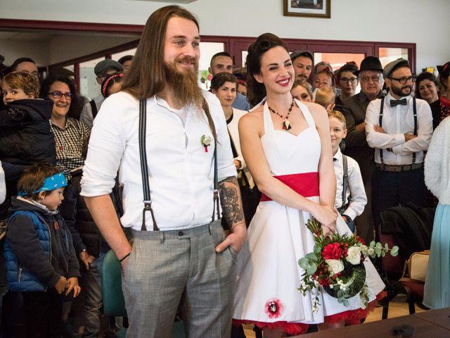 Le mariage de Mickaël et Honorine à Port-d'Envaux, Charente Maritime 7