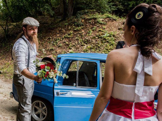 Le mariage de Mickaël et Honorine à Port-d'Envaux, Charente Maritime 15