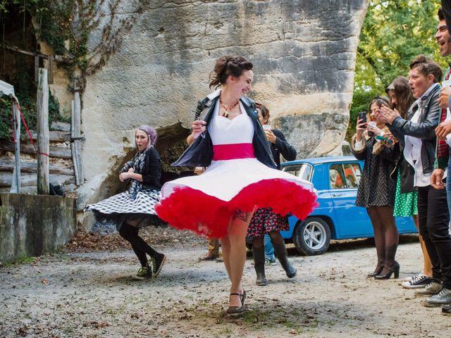 Le mariage de Mickaël et Honorine à Port-d'Envaux, Charente Maritime 27