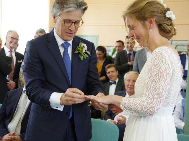 Le mariage de Loîck et Oriane à Rouge-Perriers, Eure 10