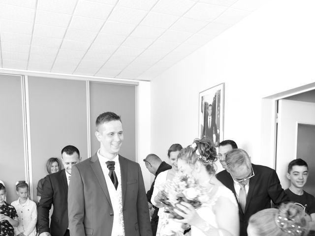 Le mariage de Armaury et Elodie à Jallans, Eure-et-Loir 25